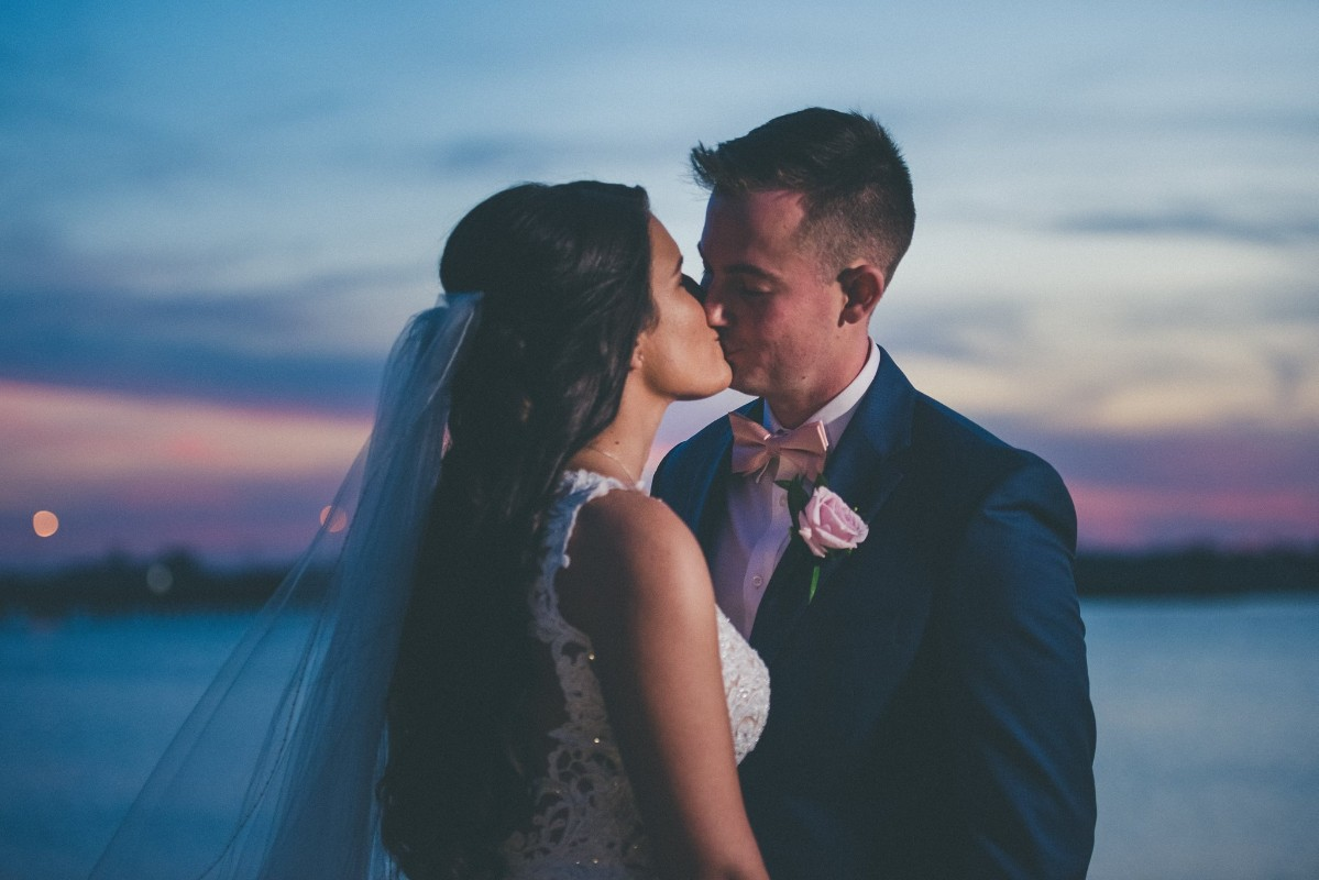 wedding-sunset-riverfront-event-center-04.100